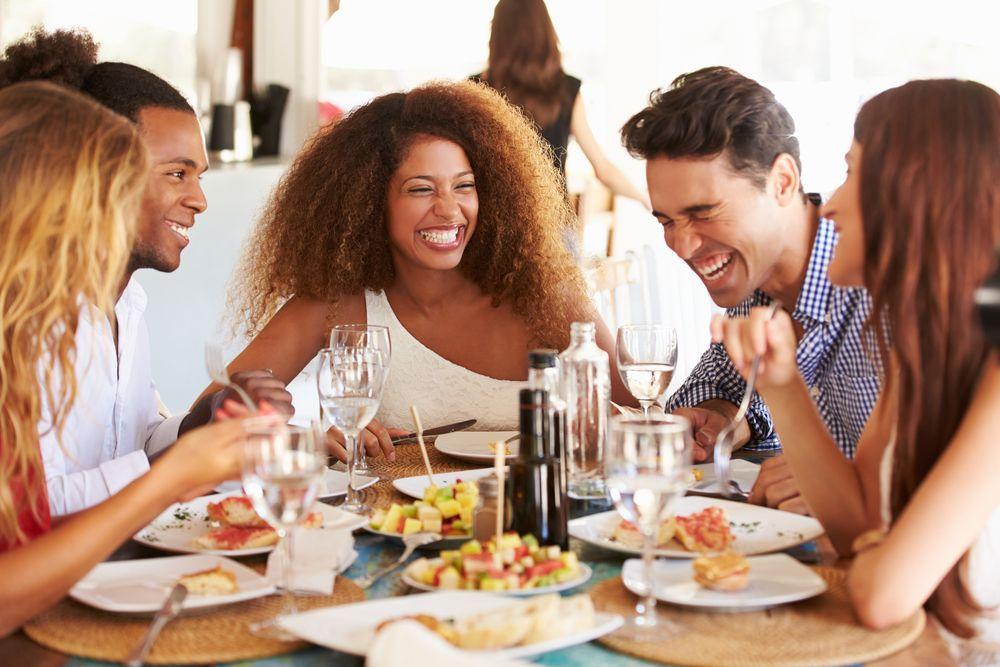 communication-restaurant-clientele
