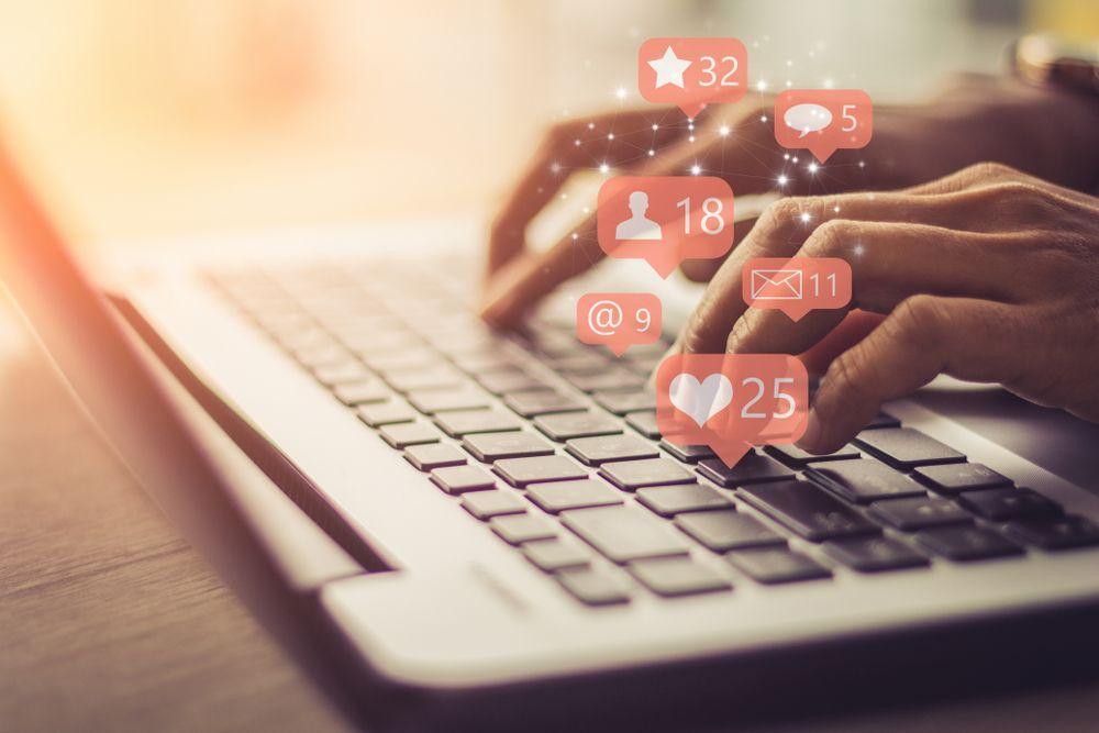 Covid-19 : Communiquer sur les réseaux sociaux pendant la crise