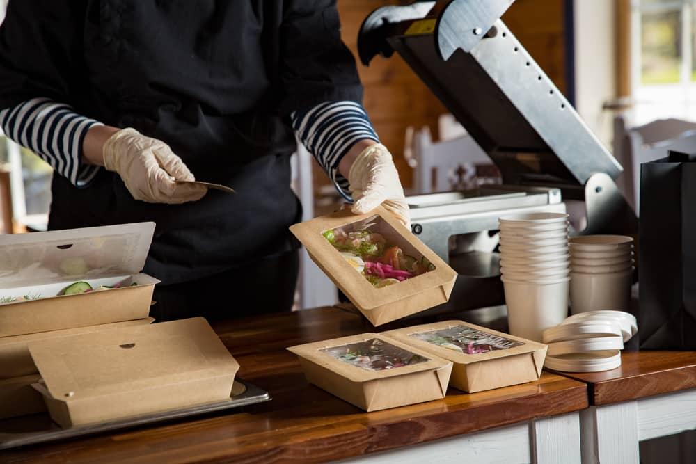 ouvrir-son-restaurant-crise-sanitaire-emporter