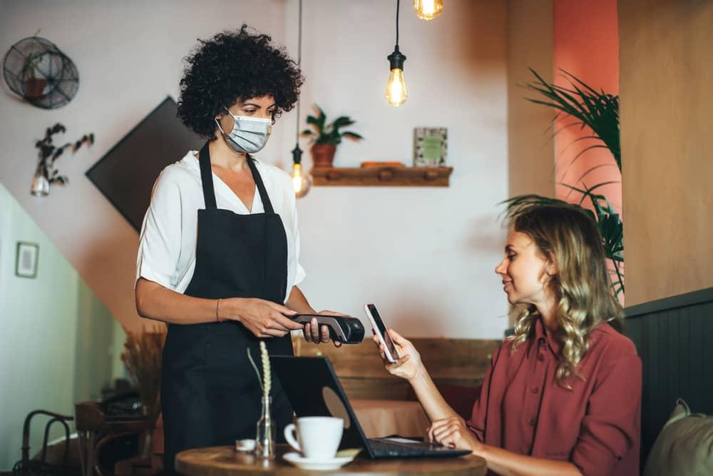 reouverture-bars-restaurants-paiement